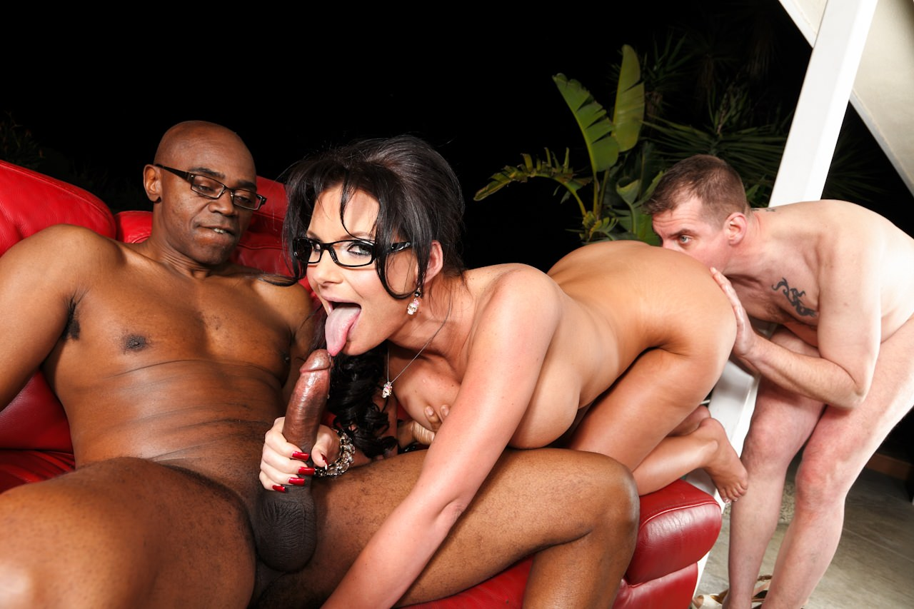 Nicole rider gets mouth fucked by group 2