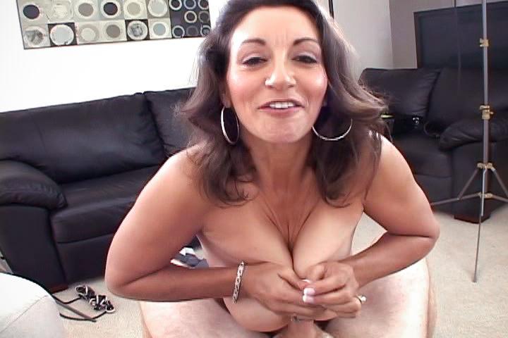 Persia monir gives nice titty fuck