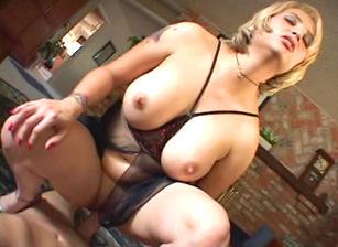 Lesbian milf making out