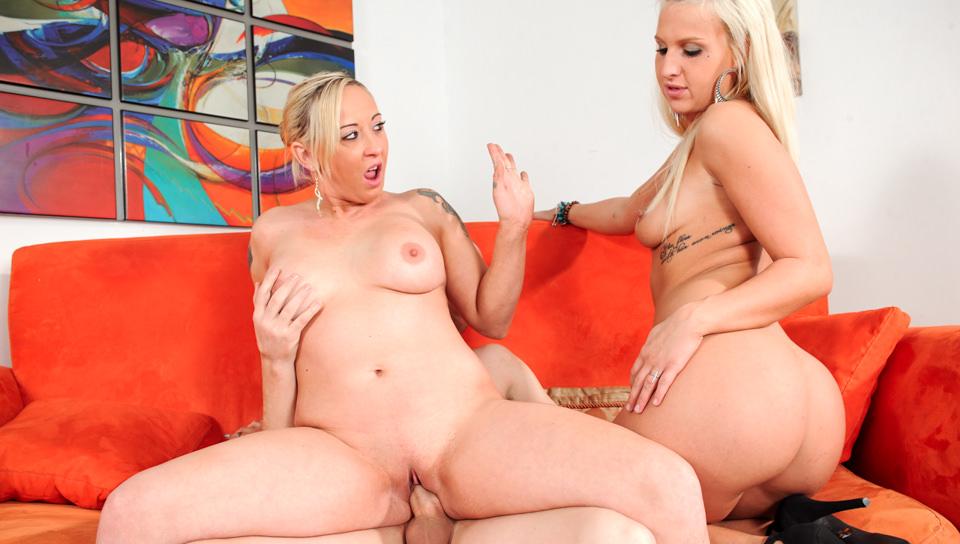 Naked sexy girls striping