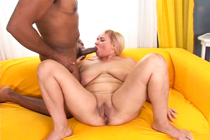 fat mature pussy bbc - Interracial bang on white chubby mommy