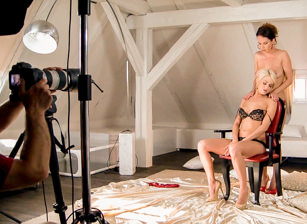 BTS-Lena Love And Eve Play Sensual Games, Escena 2