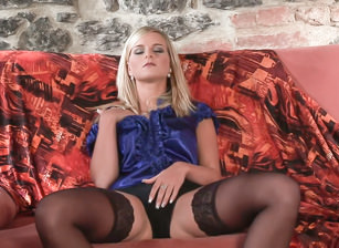 Merry Solo Striptease, Escena 1