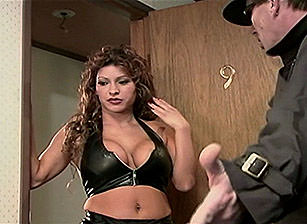 Paradise Hotel, Scene #02