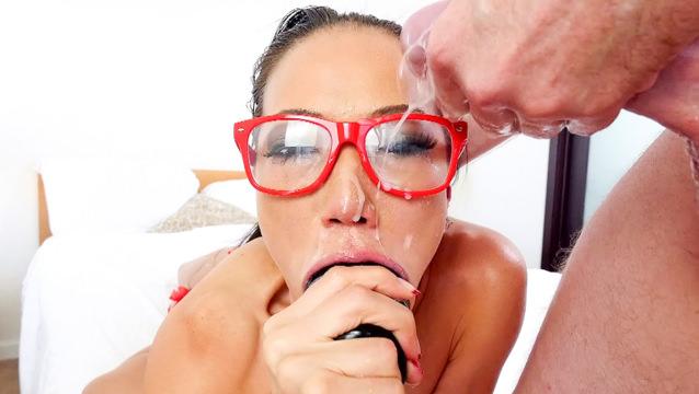 Jizz My Glasses, Scene #08