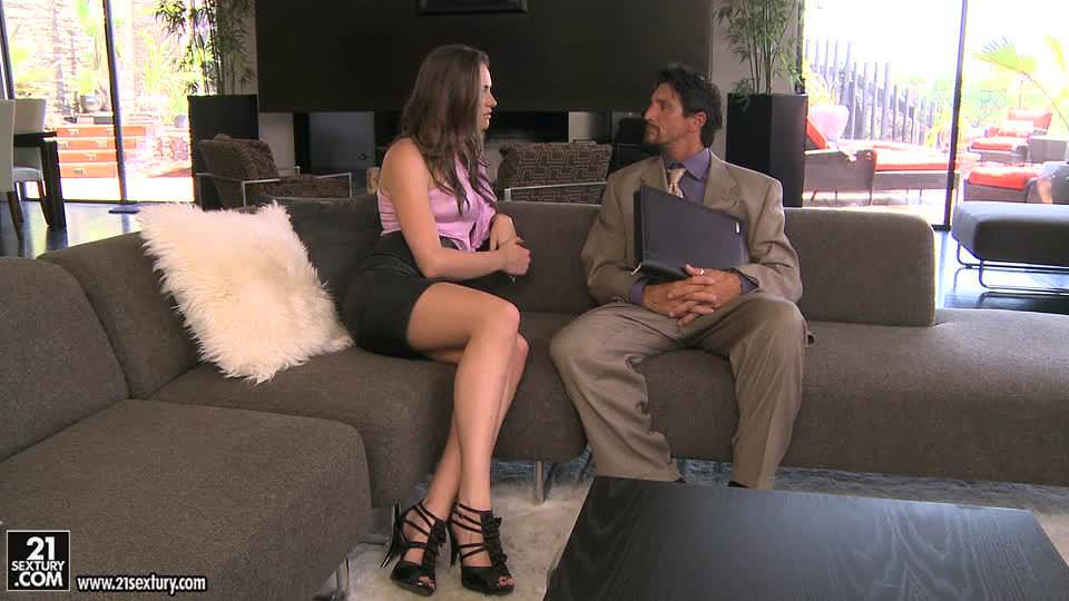 Tori Black пробует межрассовый секс